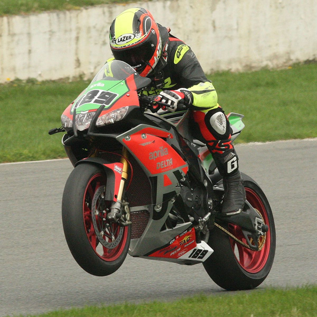 SBK, RSV4 wins Belgian Championship and Benecup_thumb
