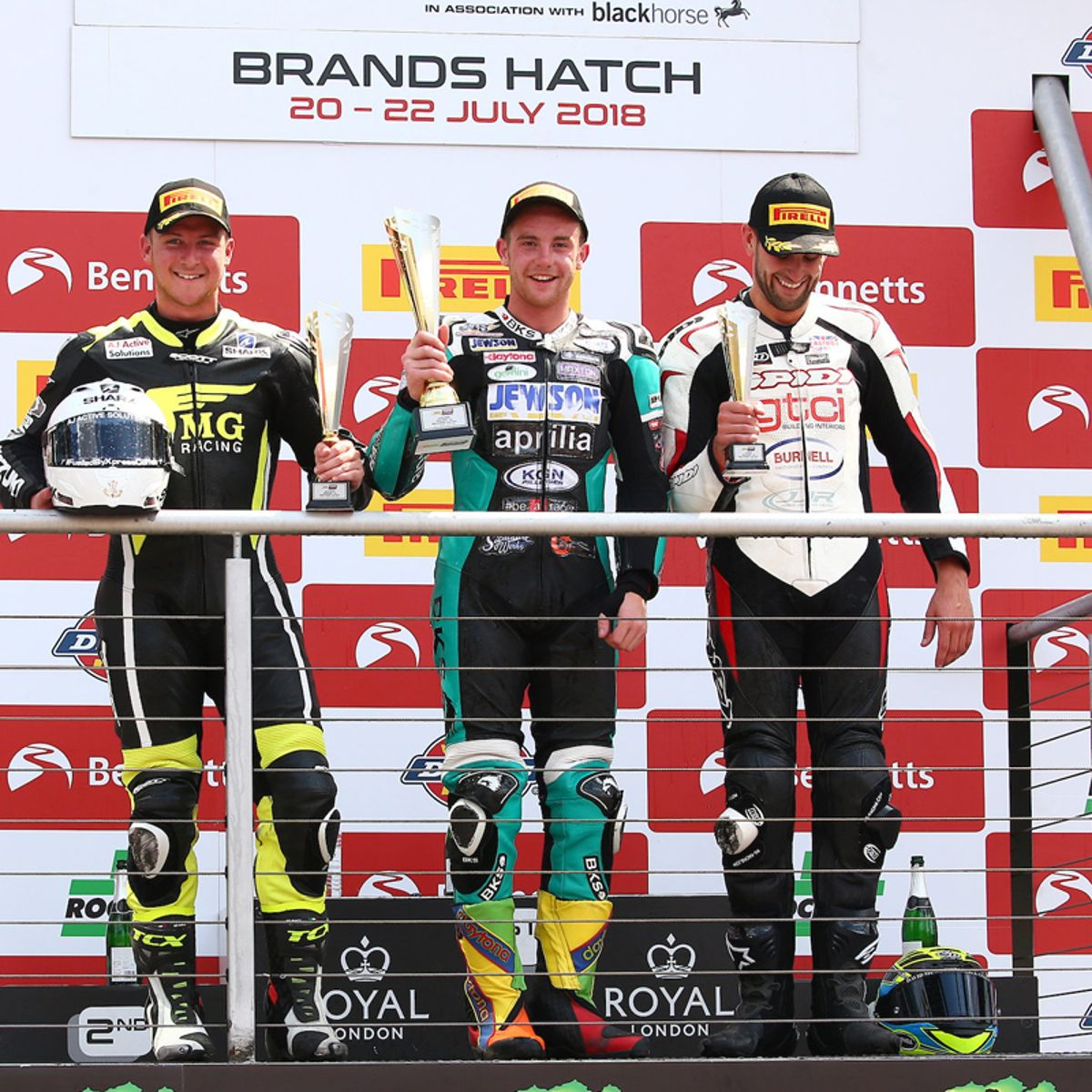 COLLIER TAKES SUPERSTOCK 1000cc DOUBLE WIN AT BRANDS HATCH_thumb