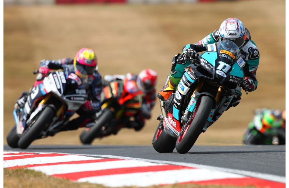 COLLIER TAKES SUPERSTOCK 1000cc DOUBLE WIN AT BRANDS HATCH_1