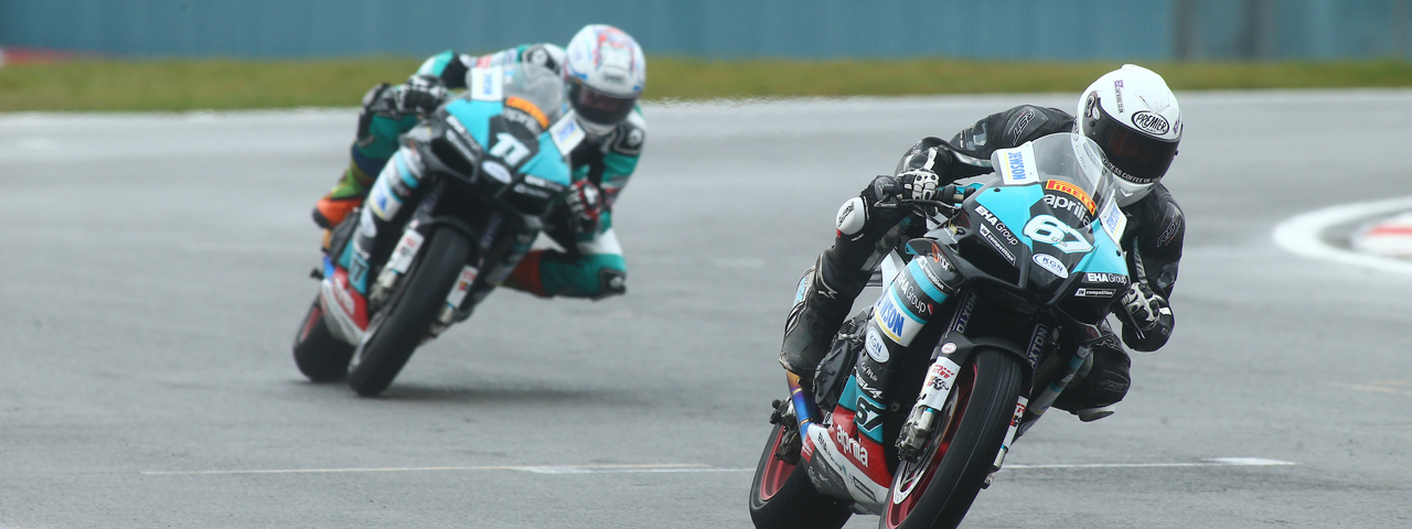 BRITISH CHAMPIONSHIP, REID AND COLLIER 'ONE-TWO' FOR EHA RACING APRILIA ON EASTER MONDAY