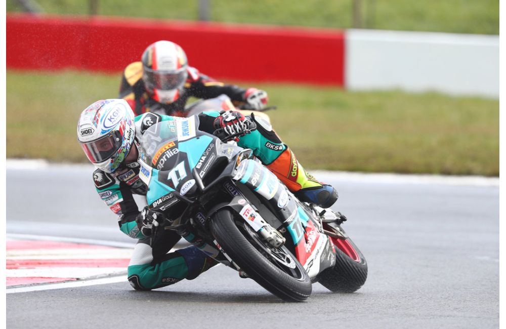 BRITISH CHAMPIONSHIP, REID AND COLLIER 'ONE-TWO' FOR EHA RACING APRILIA ON EASTER MONDAY_0