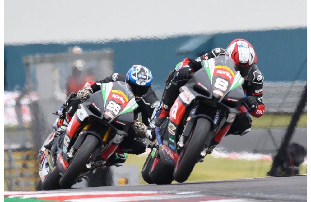 DONINGTON PARK: LEWIS ROLLO WINS IN SUPERSTOCK_2
