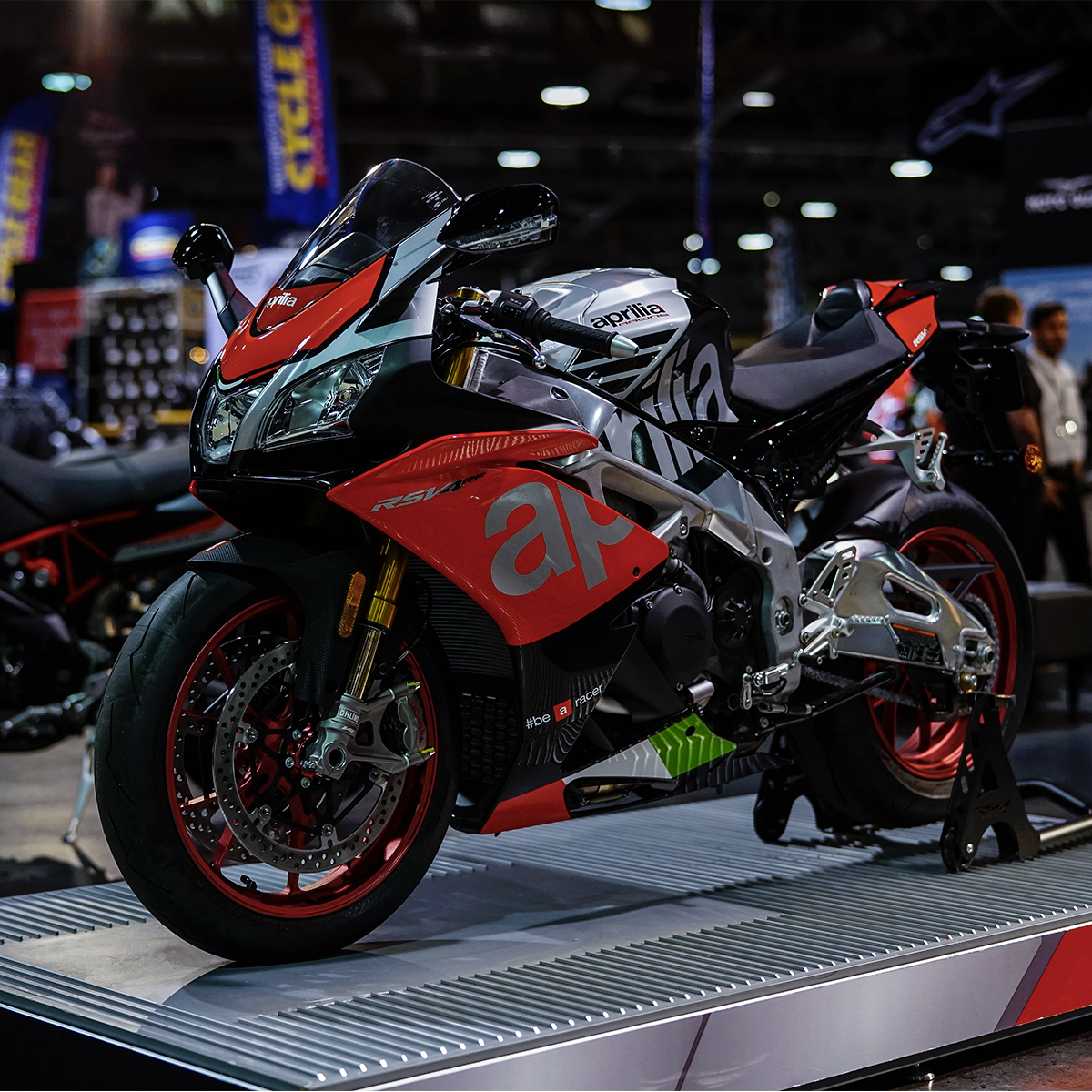 Aprilia Heads to Windy City: Chicago International Motorcycle Shows_thumb