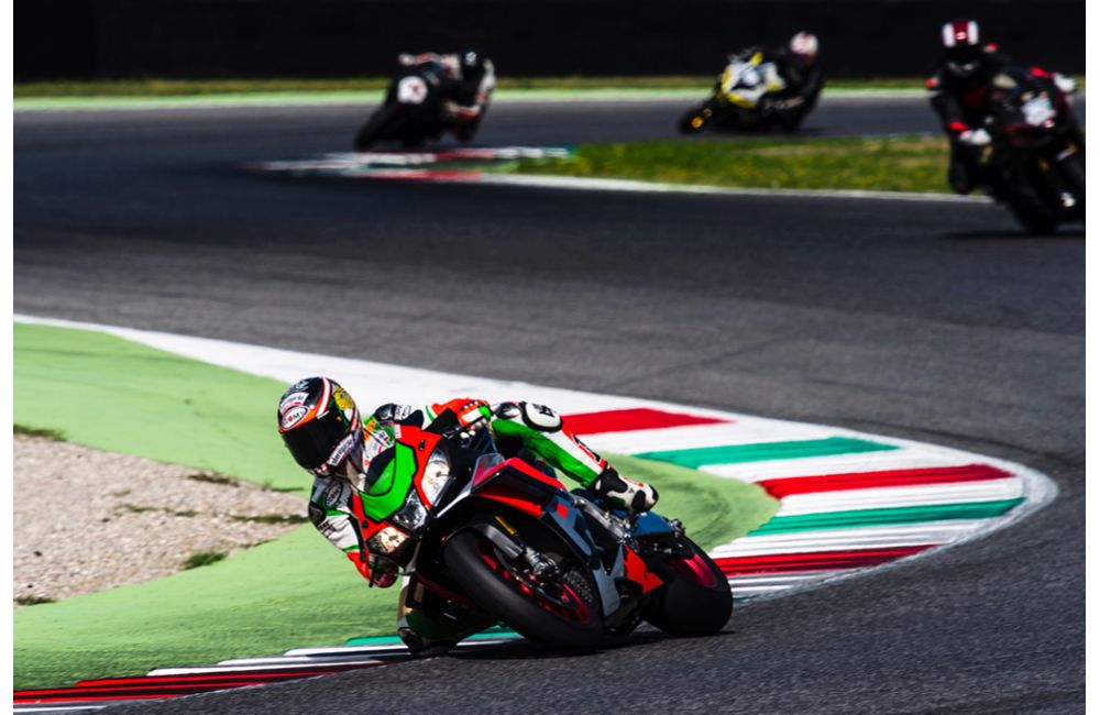 MAX BIAGGI AND LORIS CAPIROSSI TOGETHER AGAIN ON THE TRACK_0