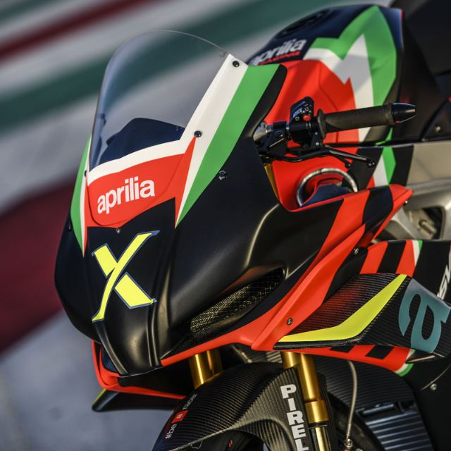 THE 10 UNITS OF THE RSV4 X ARE TAKING SHAPE AT APRILIA RACING_thumb