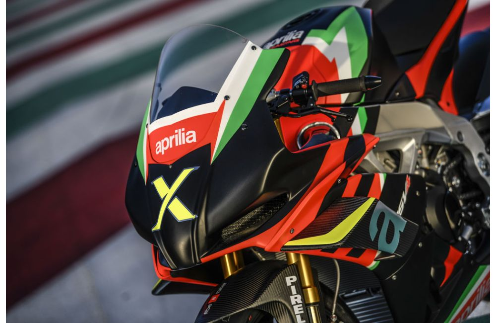 THE 10 UNITS OF THE RSV4 X ARE TAKING SHAPE AT APRILIA RACING_4