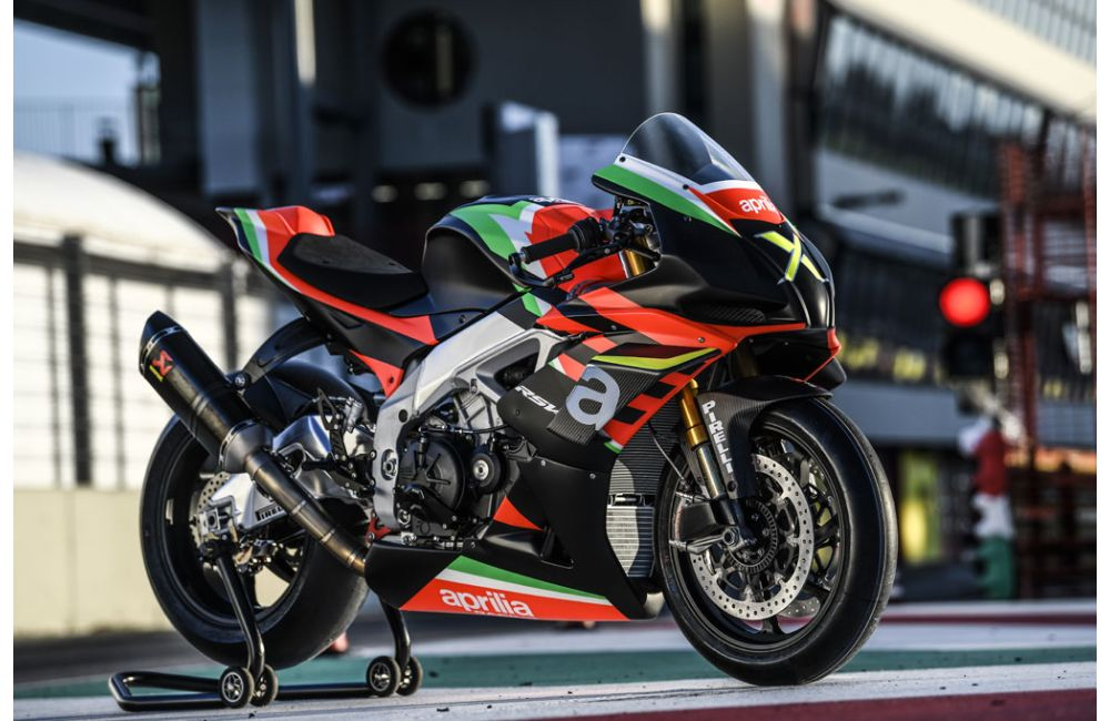 THE 10 UNITS OF THE RSV4 X ARE TAKING SHAPE AT APRILIA RACING_5