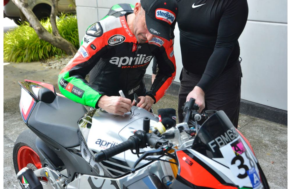 ASIAN PREMIÈRE FOR APRILIA RSV4 X WITH MAX BIAGGI_4