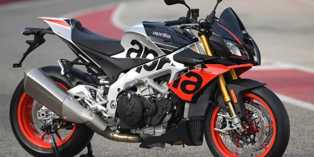 APRILIA USA EAGER TO TOP PIKES PEAK INTERNATIONAL HILL CLIMB_thumb