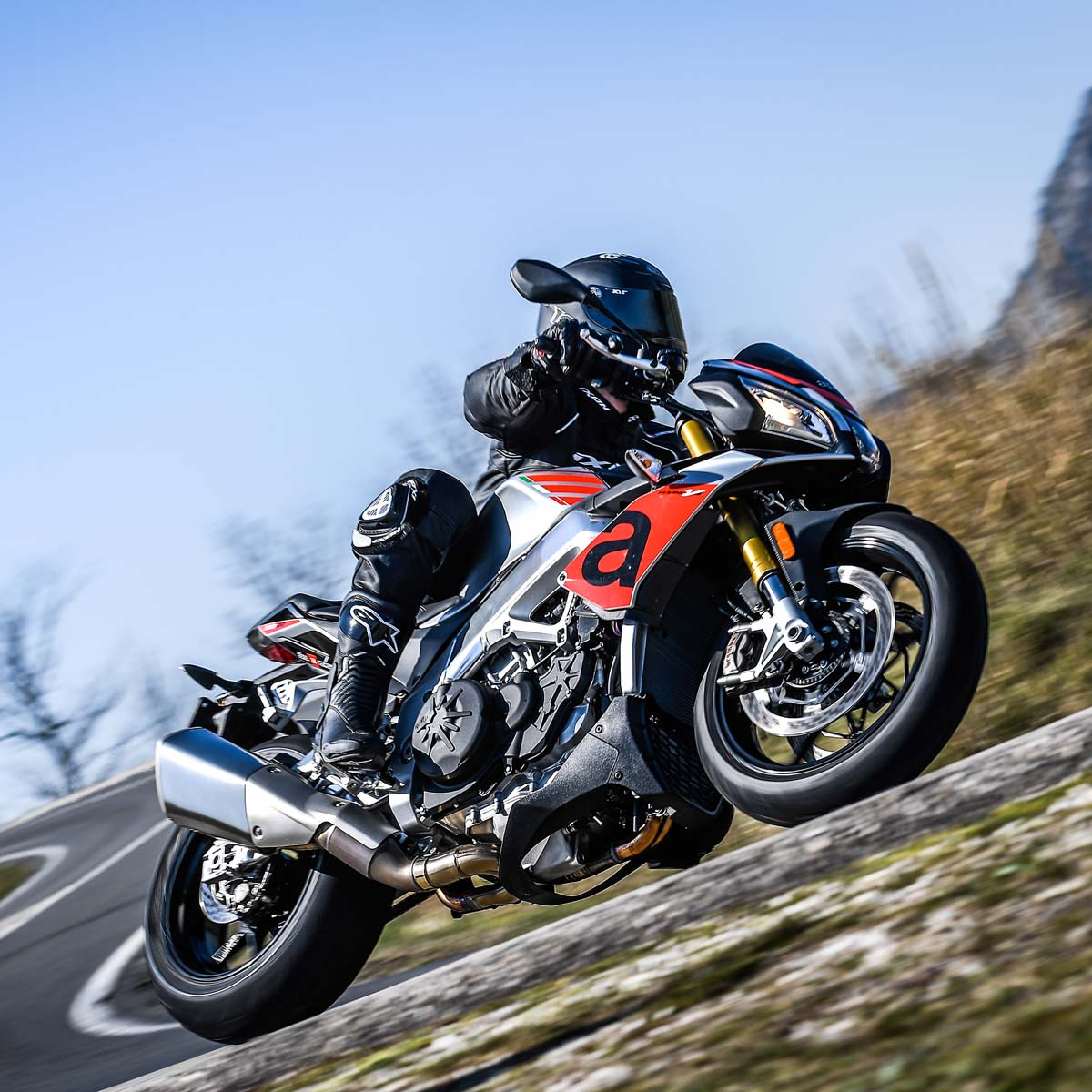 Aprilia Tuono V4 1100 | Naked Fun is What It's All About_thumb
